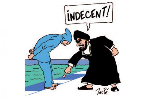 Burqa pieds visibles indécent